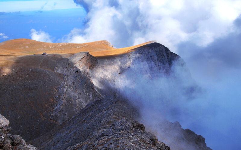 Άποψη της άκρης του Οροπεδίου των Μουσών από διπλανό ύψωμα